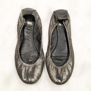 Tory Butch gray crackle ballet flats 8